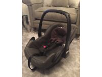 Maxi-Cosi Pebble Leather Car Seat