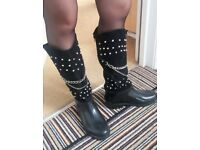 Black Wellies As New - Size 3.5/4 UK
