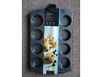 Brand New Lakeland Bakeware 12 Hole Deep Bun Muffin Cupcake Baking Tin - Round