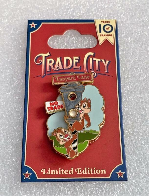 Disney Trade City USA Celebration 2010 Chip and Dale Lanyard Lane Stoplight Pin