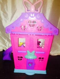 Minnie Mouse playset with accessories mint