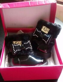 Ugg boots toddler size 3
