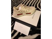 Gucci logo leather trainers
