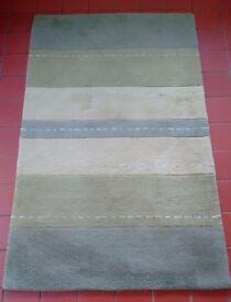 Rug - Good quality. 100% wool pile. 150cm x 92cm