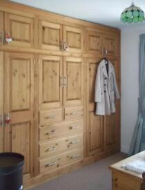 New hand mad Fitted wardrobe pine solid wood bargain
