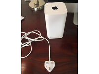 Apple AirPort Extreme Gigabit Wireless AC Router