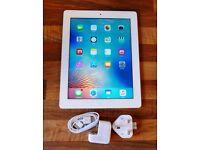 iPad 3 32GB WIFI+GSM White in Pristine Condition + Case and Screen Protector