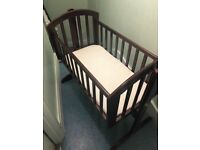 Swing baby cot (price negotiable)