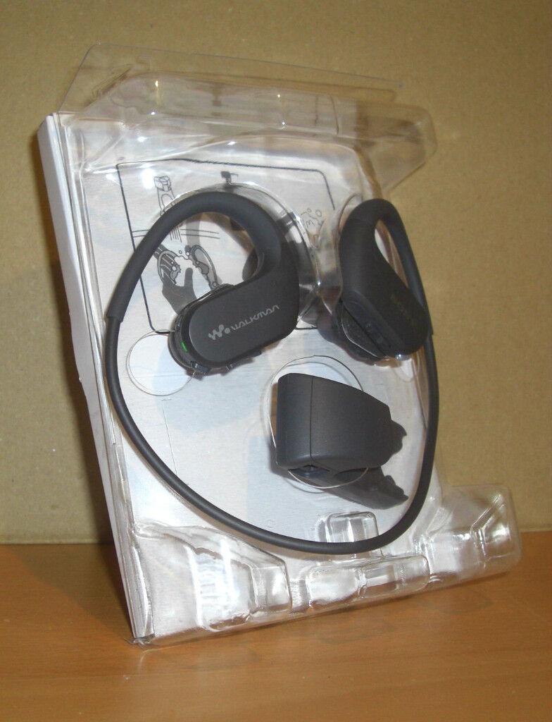 NEW Sony Walkman NW-WS414 Waterproof Earphone MP3 8GB Black Dustproof Compact