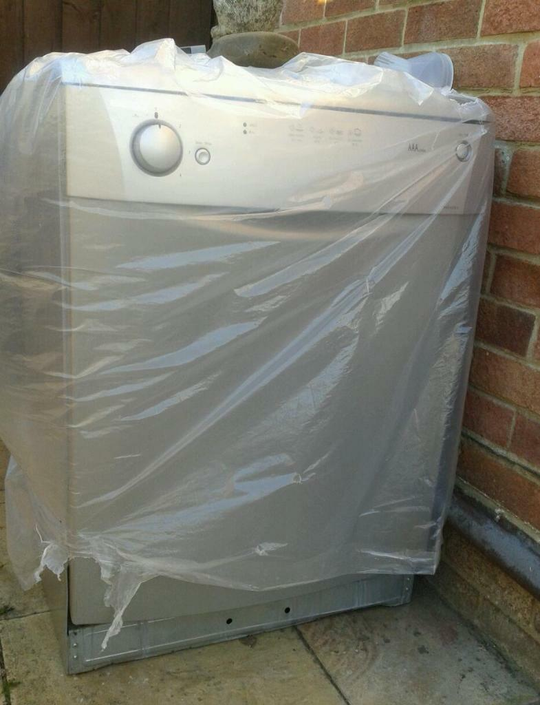 Table Top Dishwasher Wiltshire : Beko AAA dishwasher silver, parts or repair in Swindon, Wiltshire ...