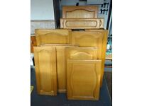 Job lot of assorted cupboard doors and drawer fronts.