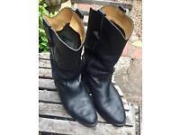 Men's used black cowboy boots