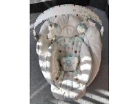 Baby chair tha vibrates and with sounds