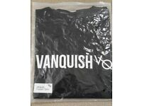 Vanquish fitness t shirt large with tags