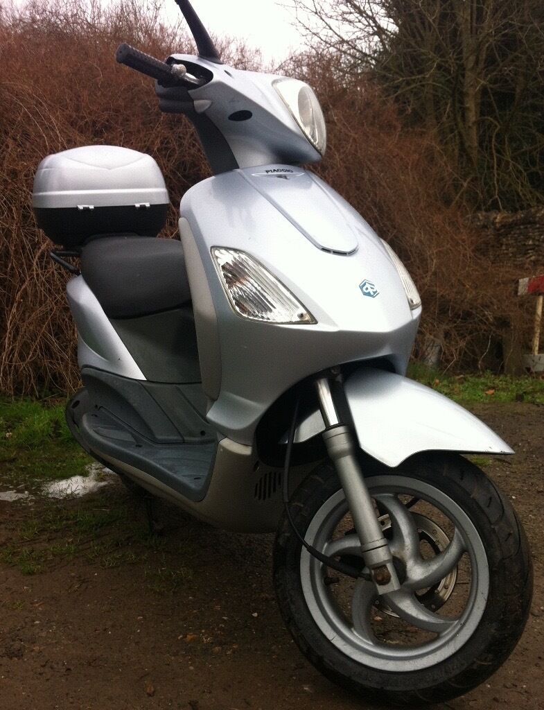 piaggio fly 125cc, very reliable runner | in chippenham, wiltshire