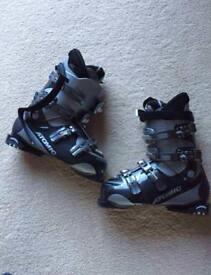 Atomic ti+ wide fit ski boots 28.5