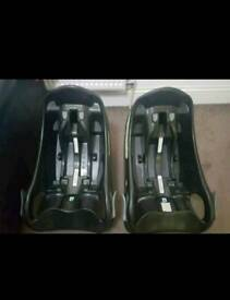 2 baby car seat base black and 1car seat