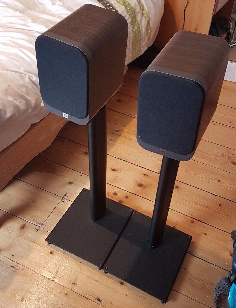 Q Acoustics 3010 Pair Of Bookshelf Speakers Walnut Matching 3000ST Speaker Stands
