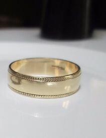 9ct yellow gold wedding ring band size k or thumb ring Looks brand new