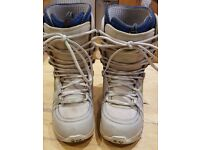Ladies 32's Snowboard Boots Size 5