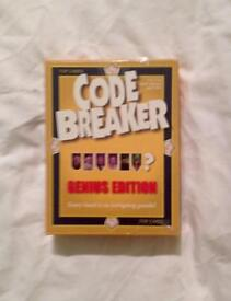 CODE BREAKER GENIUS EDITION. 1998 WINNING MOVES STRATEGY GAME. COMPLETE AND GOOD CONDITION.
