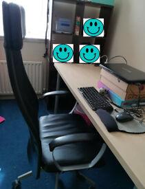 Office chair & 150x75x74cm desk