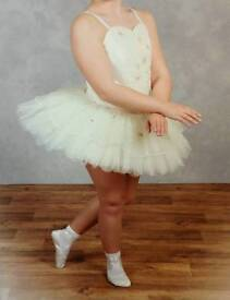 Lovely cream ballet tutu approx age 9-12