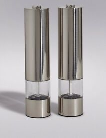 New Pack Electric Salt and Pepper Mill