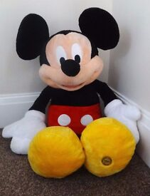 BIG CLEAROUT THE DISNEY STORE LARGE MICKEY MOUSE SOFT TOY
