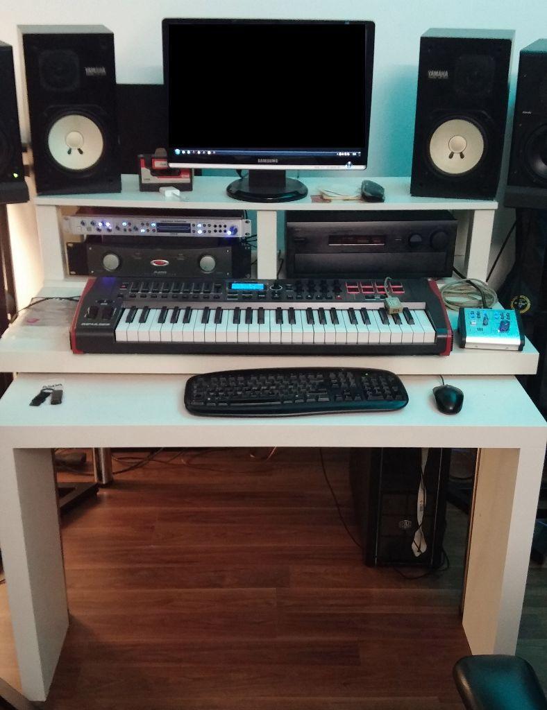 Superbe Music Studio Or Computer Table (IKEA Hack)