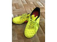 Size 5 Nike football boots
