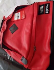 Supreme×The North face leather day pack Red