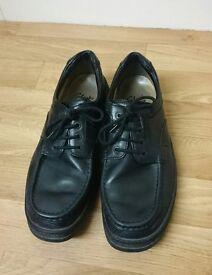 Clarks Black Leather Shoes (Men's - Size 10.5)