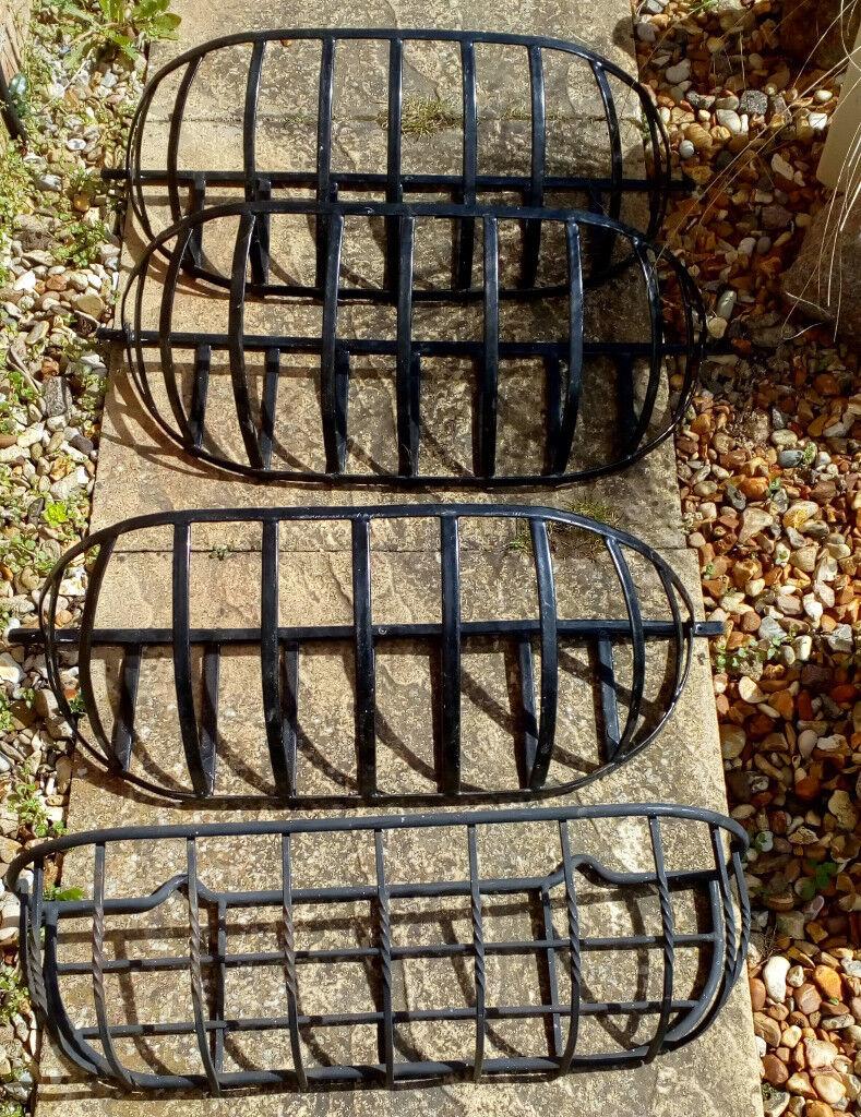 Heavy Duty Wall Mounted Metal Planters X 4 In Spalding