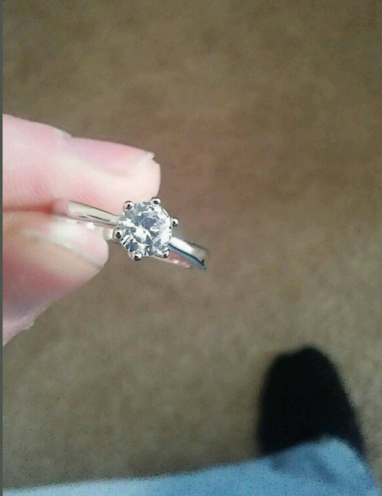 Beautiful hallmarked 925 diamanté ring