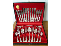 Canteen of Cutlery: Silver Plated EPNS: Viners KINGS pattern.