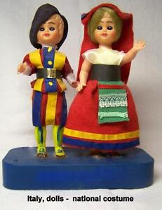 Vintage souvenir dolls, couple, National costume of Italy,