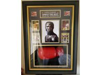 CHRIS EUBANK SIGNED BOXING GLOVE 3D DISPLAY