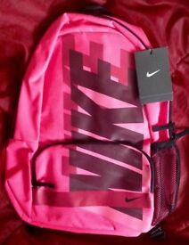 BNWT NEW NIKE BACKPACK RUCKSACK BAG. PINK