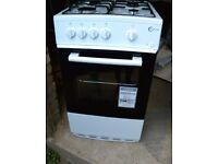 Freestanding gas cooker very good condition nearly new
