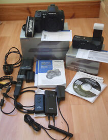OLympus E-3 DSLR all original parts plus loads of additional accesories