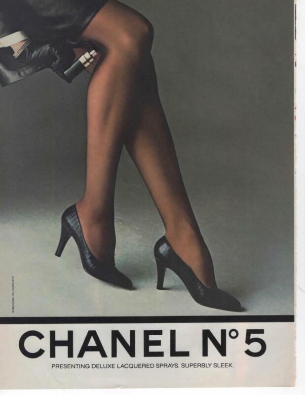 CHANEL No5 SPRAY VINTAGE MAGAZINE PRINT AD SEXY WOMAN WITH SEXY LEGS 1984 AD