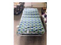 Single foldup bed