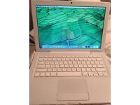 "Apple Mac book (2009) 13.3"""