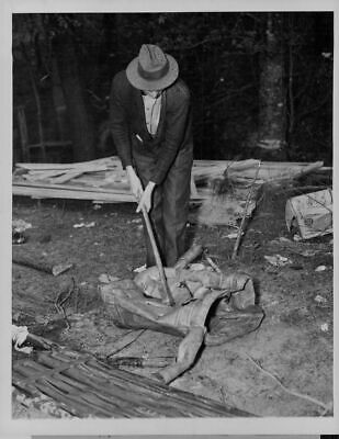 1937 PROHIBITION Moonshining Outfit Federal Agent Axe Press Photo