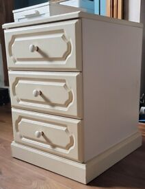 Free bed side drawers