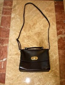 Beautiful shoulder bag | Vintage style | Dark brown | In perfect condition