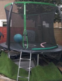 10 foot trampoline (relisted)