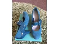 Clarks leather Mary Janes size 5.5