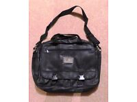 ACCENT BLACK BAG - great for documents or business use